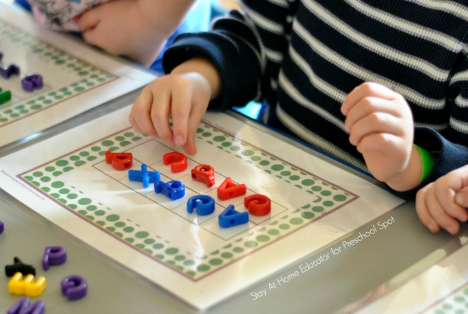 Simple tips for integrating literacy and math in preschool